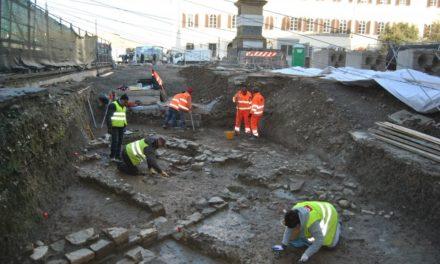 Succede a Firenze, scavano per la tramvia e trovano una necropoli del I secolo dopo Cristo