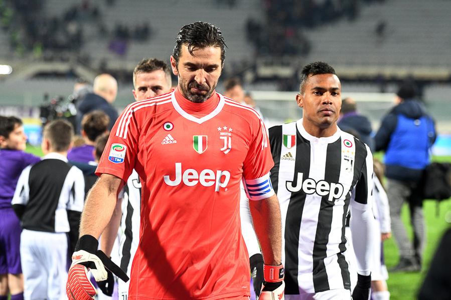 Buffon vuole tornare a giocare in Italia: potrebbe arrivare clamorosamente alla Fiorentina