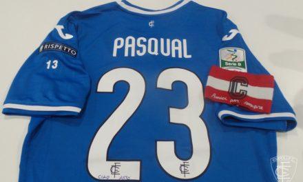 Pasqual, maglia e fascia da capitano personalizzata per ricordare Astori (foto)…