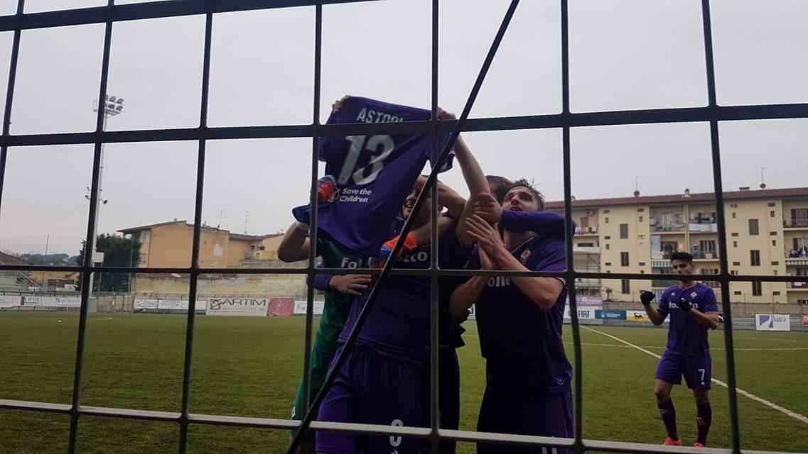 """Segna la primavera e Pinto mostra la maglia di Astori: """"Gli dedichiamo il gol anche se non è nulla…"""""""