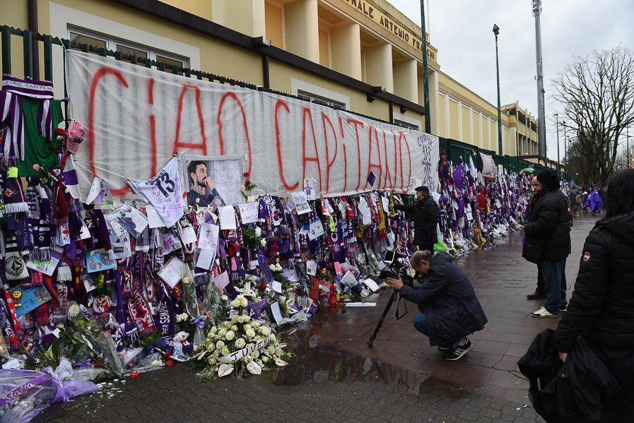 """Comunicato ACF: """"Insieme alla famiglia di Astori decideremo come conservare il muro viola."""""""