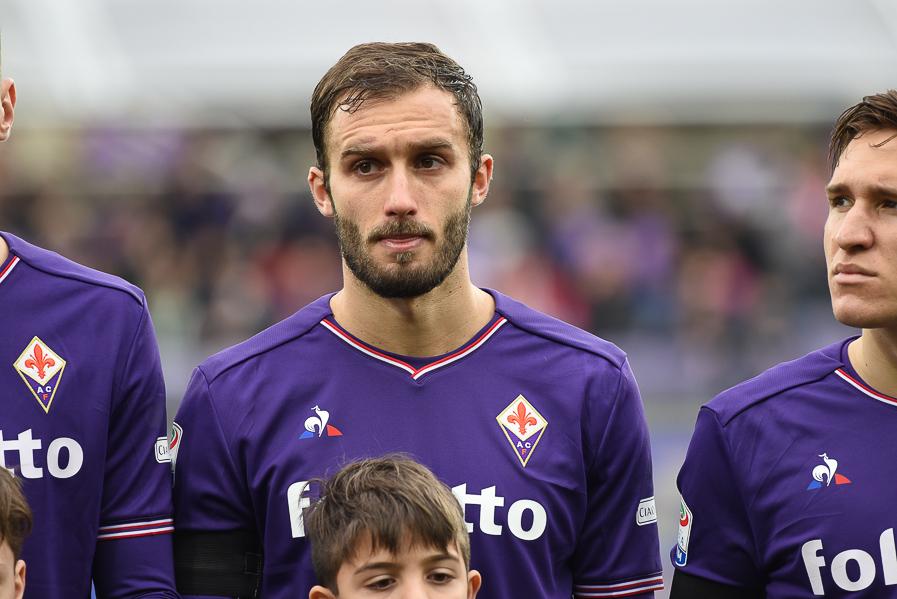 Lo Schalke 04 vuole Pezzella, il Siviglia dà la priorità alla Fiorentina sul riscatto