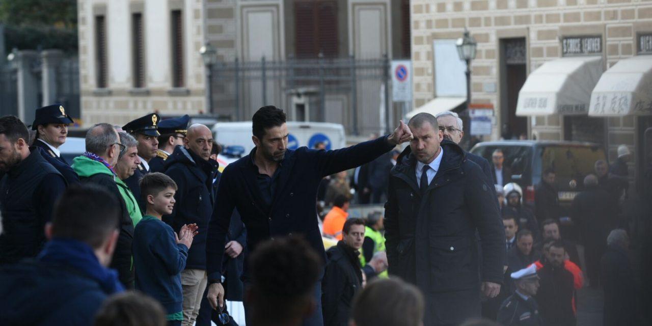 """Buffon: """"Mai semplice andare a Firenze, grazie Fiorentina. Con noi tifosi viola meno soli"""""""