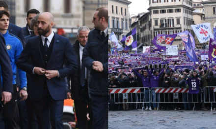 Da Totti a Bernardeschi fino alla meravigliosa sciarpata dei tifosi viola. Tutte le foto del funerale di Astori