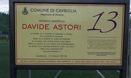 (FOTO) Cavriglia (AR), intitolato campo di Calcio a 5 a Davide Astori. Una frase di N.Mandela sulla targa