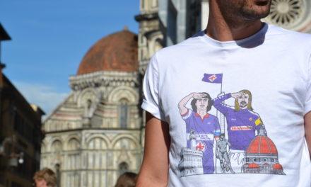 Batistuta e Antognoni salutano il capitano tra Firenze e il Labaro Viola. Ecco la maglia dei tifosi della Fiorentina