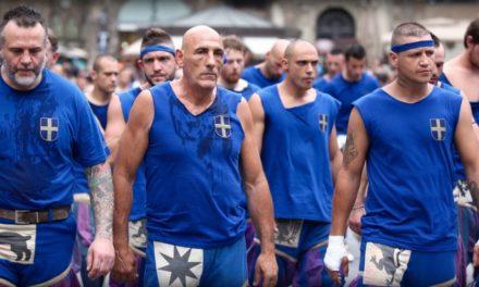 Gli azzurri si ritirano dal calcio storico fiorentino. Non giocano e rinunciano al campo nuovo