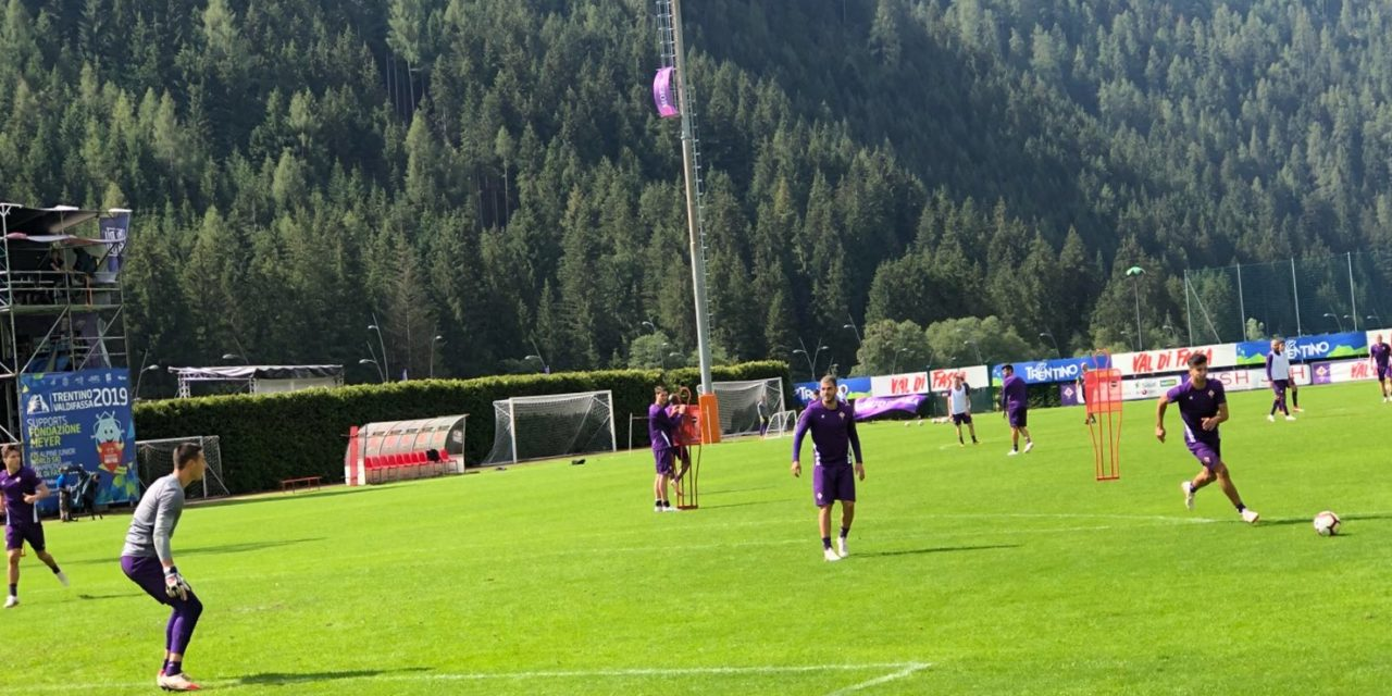 Da Moena: inizia l'allenamento della Fiorentina, Pioli prova gli schemi offensivi