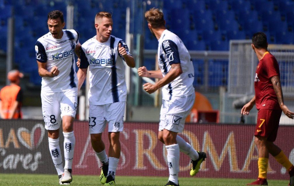 La Roma si fa rimontare 2 gol dal Chievo in casa, resta sotto la Fiorentina in classifica
