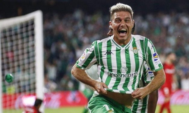 Joaquin fa il fenomeno a 38 anni: tripletta in venti minuti, entra nella storia del calcio spagnolo con un nuovo record