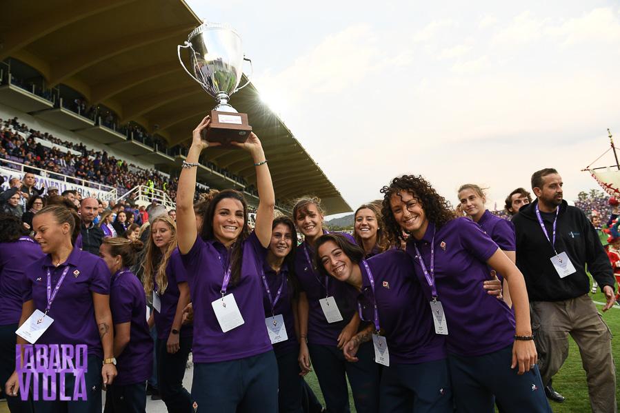 La Fiorentina Women's vince nel recupero 6-2. Milan capolista distante 2 punti. Juventus…