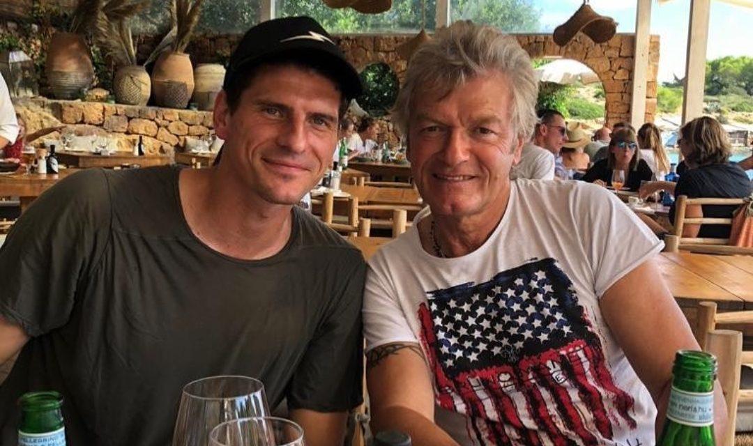 Antognoni va in vacanza ad ibiza ed incontra…Mario Gomez. Ecco la foto dell'incontro a pranzo