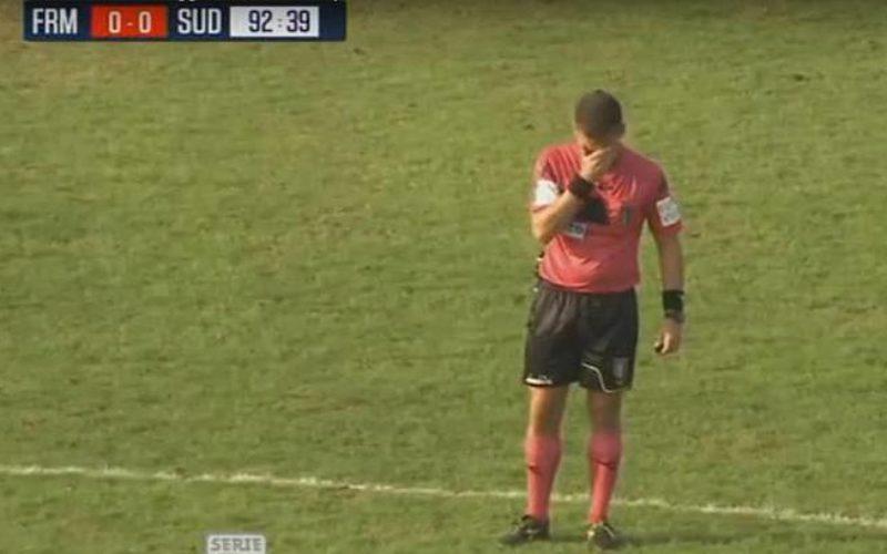 Arbitro fiorentino scoppia a piangere a fine partita per la scomparsa del padre