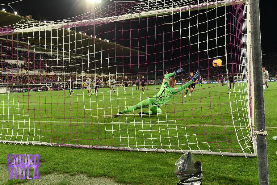 Moviola: rigore per la Fiorentina? Seguito il protocollo Var. Manca un rosso alla Roma
