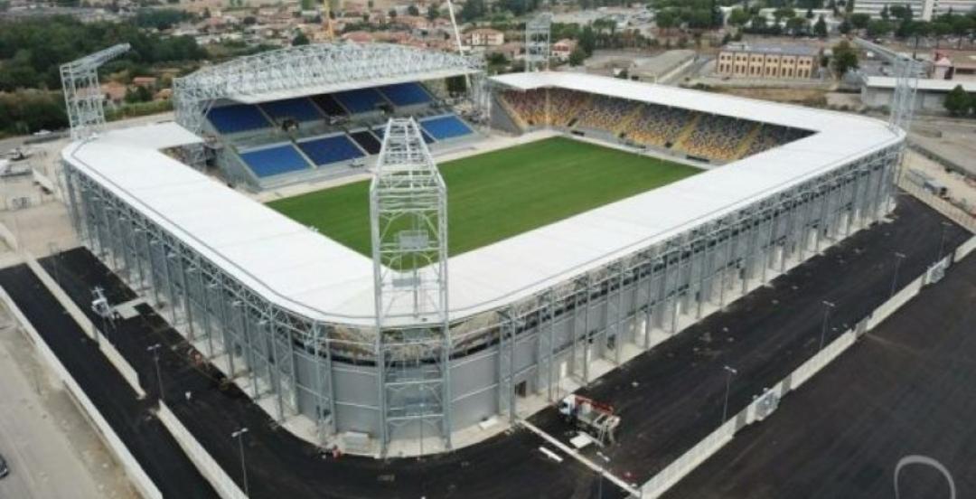 Viaggio nel nuovo stadio di proprietà del Frosinone, costato 20 milioni. È un gioiello all'inglese