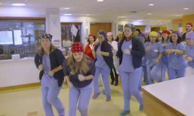 VIDEO, momento memorabile al Meyer, medici e infermieri ballano per i bambini