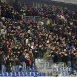Cori contro tifoso morto, ecco cosa rischia la Fiorentina. Nel frattempo…