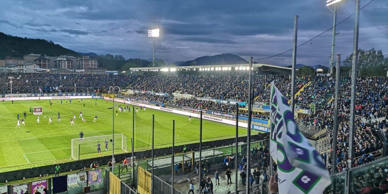 Qui Bergamo: piccoli scontri tra i tifosi viola in contestazione contro i Della Valle e la polizia