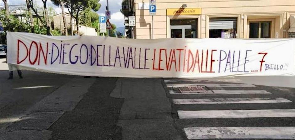 Il Viola Club 7Bello se la prende con Diego Della Valle. Striscione contro il patron a Firenze