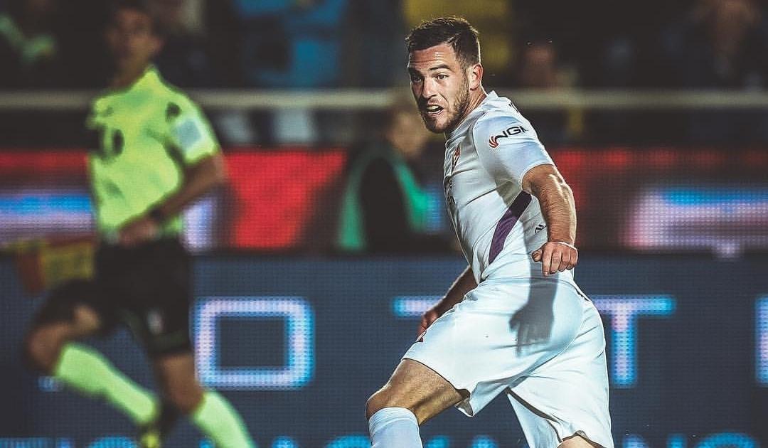 La gaffe social della Fiorentina, postano il gol decisivo sbagliato da Veretout e i tifosi esplodono nei commenti(FOTO)