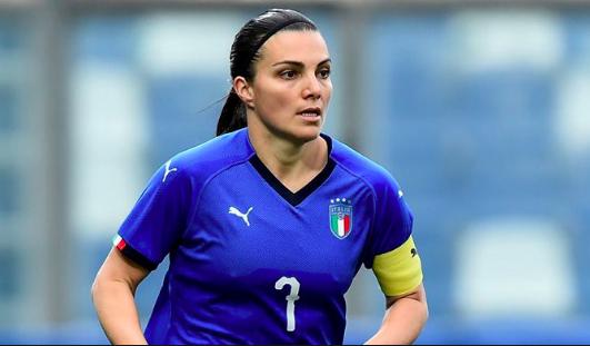 Boom Mondiali, FIGC e Governo al lavoro per rendere le donne delle professioniste