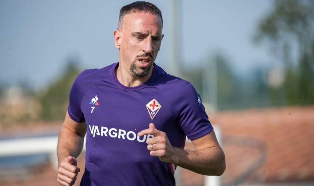 Ribery ieri è tornato ad allenarsi in gruppo dopo un fastidio al ginocchio. Sarà ancora fuori per squalifica