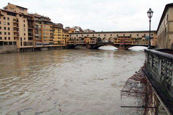 Situazione maltempo, grazie alla tregua l'Arno è tornato sotto il livello di guardia