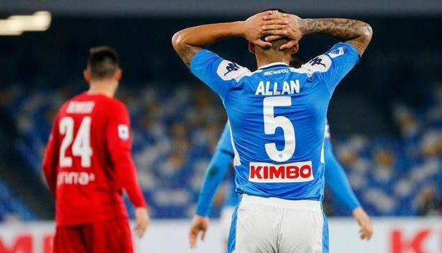 La Fiorentina ha rotto ancor di più lo spogliatoio del Napoli, Allan ripreso dai compagni, e lui si dice infortunato