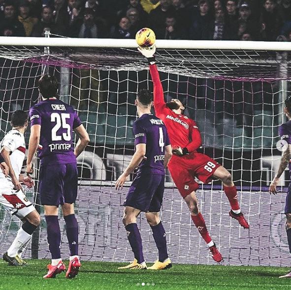 Drago monumentale e panchina corta: la Fiorentina si salva. Paura per Castro, quanto manca Ribery