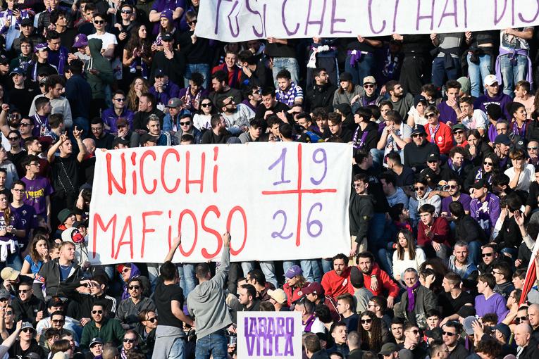 Giudice sportivo ancora pesante sulla Fiorentina: multa per le offese a Nicchi e Gasperini