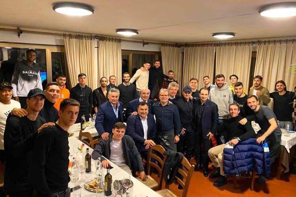 (FOTO) Cena di squadra per la Fiorentina. Presenti Rocco, la squadra e la dirigenza al completo